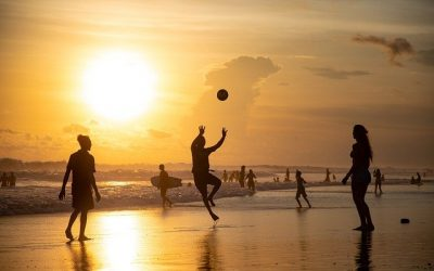 The best sports to play at the beach with friends